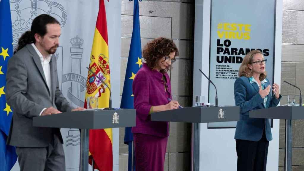El vicepresidente Pablo Iglesias, la portavoz del Gobierno, María Jesús Montero, y la vicepresidenta, Nadia Calviño.