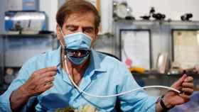 Una startup ha creado una mascarilla con boca mecánica