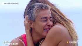Ana María Aldón, rota de dolor en 'Supervivientes' tras su confesión en 'El puente de las emociones'.