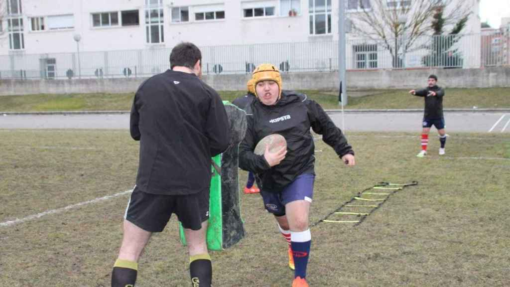 Alex durante un entrenamiento con su equipo, el Universitario Bilbao Rugby