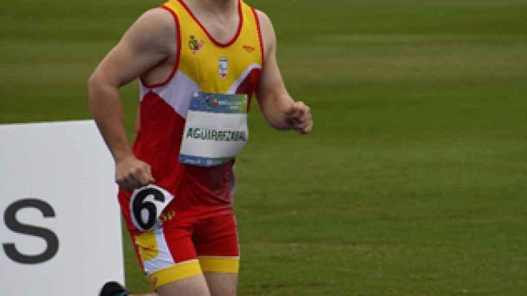 Mikel logró imponerse en la prueba de 400 metros lisos