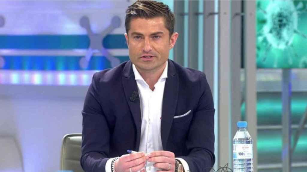 Alfonso Merlos no ha vuelto a aparecer en televisión desde la primera semana de la polémica.
