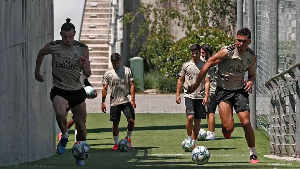 Gareth Bale y Casemiro, durante el entrenamiento del viernes