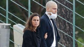 María Palacios y su hermano Borja en el entierro de Álex Lequio.