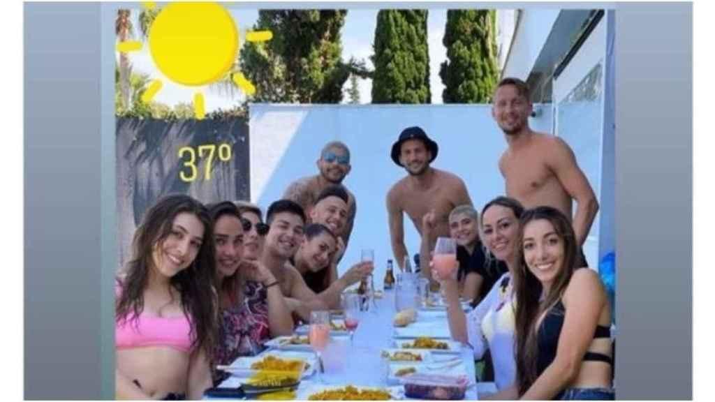 Los jugadores del Sevilla se saltan las medidas del Gobierno en la desescalada