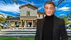 Sylvester Stallone en un montaje de JALEOS frente a la casa que vende.