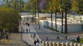 Familias paseando en Sevilla, ya en la fase 2 de la desescalada.