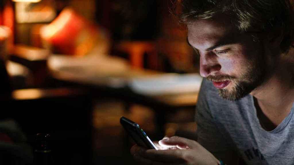 Los efectos del confinamiento en una sociedad cada vez más adicta a lo digital.