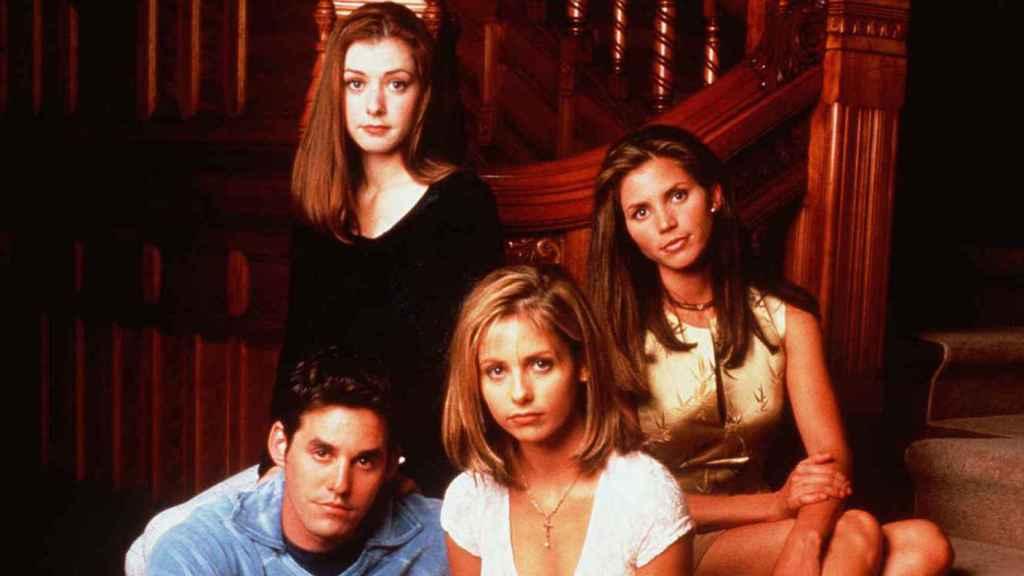 Buffy, la cazavampiros, otra obra de culto que no se puede ver legalmente.