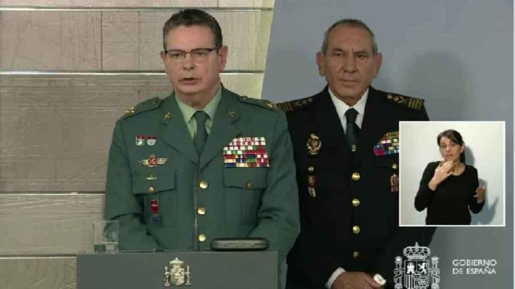 Laurentino Ceña, Dao de la Guardia Civil, en una de las ruedas de prensa de los técnicos.