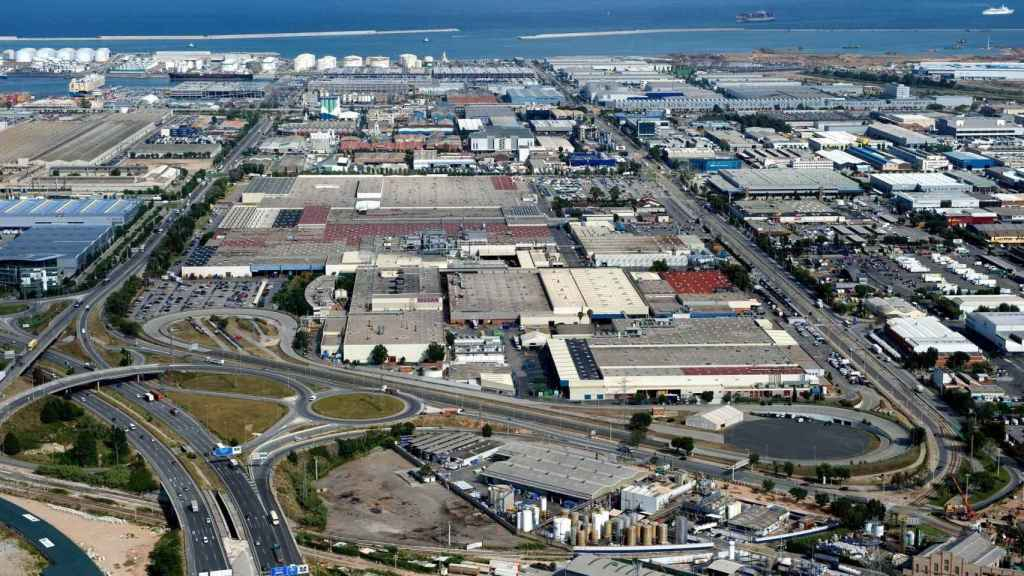 Vista aérea de la planta de Nissan en Zona de Franca (Barcelona).