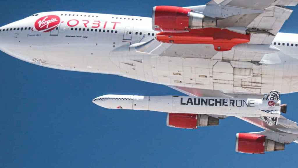 LauncherOne en el 747 de Virgin Orbit