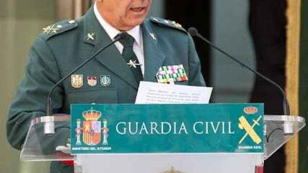 Marlaska continúa con la purga: cesa el teniente general Santafé, número tres de la Guardia Civil