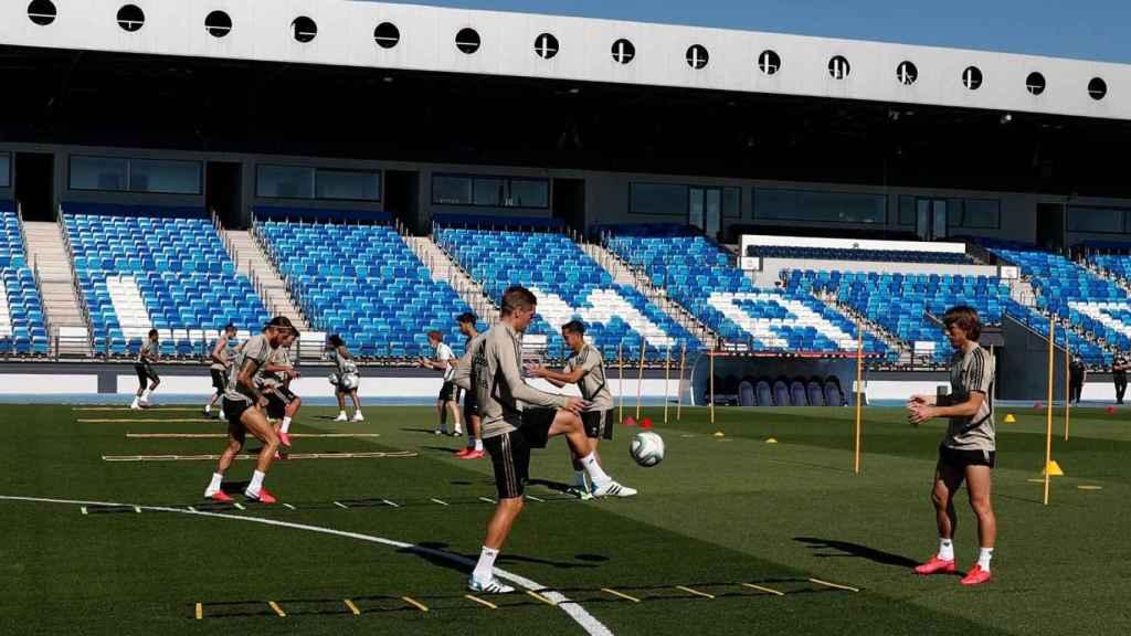 El Real Madrid entrena en el estadio Alfredo Di Stéfano