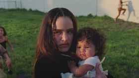 Rosalía en su nuevo videoclip dirigido por Canadá.