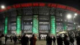 Aficionados acuden a un estadio en Hungría