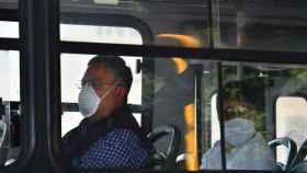 Autobús con pasajeros en Ciudad de México.
