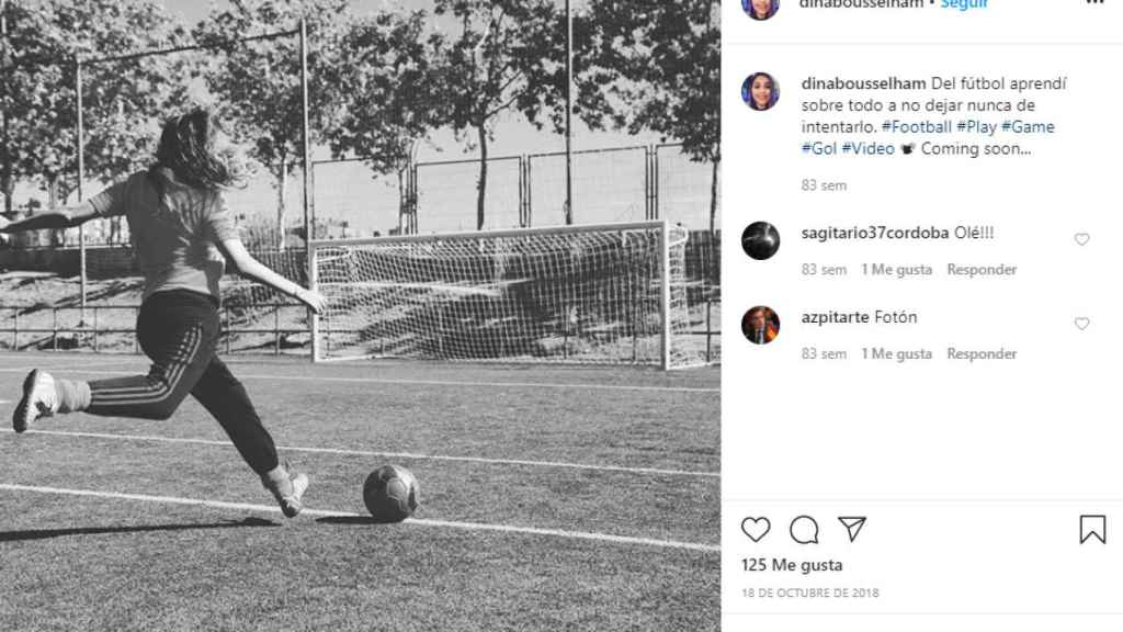 Dina recuerda con cariño su etapa como futbolista.