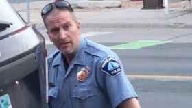 El agente Derek Chauvin, autor de la detención de George Floyd en Mineápolis.