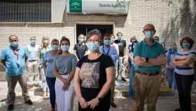 Los profesionales del servicio de Epidemiología del distrito sanitario de Sevilla en su sede del antiguo Hospital Militar.
