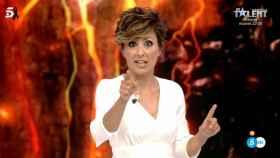Sonsoles Ónega en su debut en el último debate de 'Supervivientes'.
