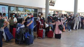 Imagen de archivo del retorno de turistas desde Marruecos por la pandemia del coronavirus.