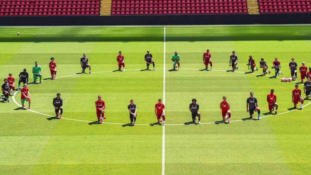 Los jugadores del Liverpool en Anfield