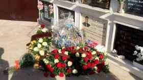 El homenaje a José Antonio Reyes en el cementerio un año después de su muerte