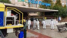 Trabajadores de Geacam en labores de desinfección