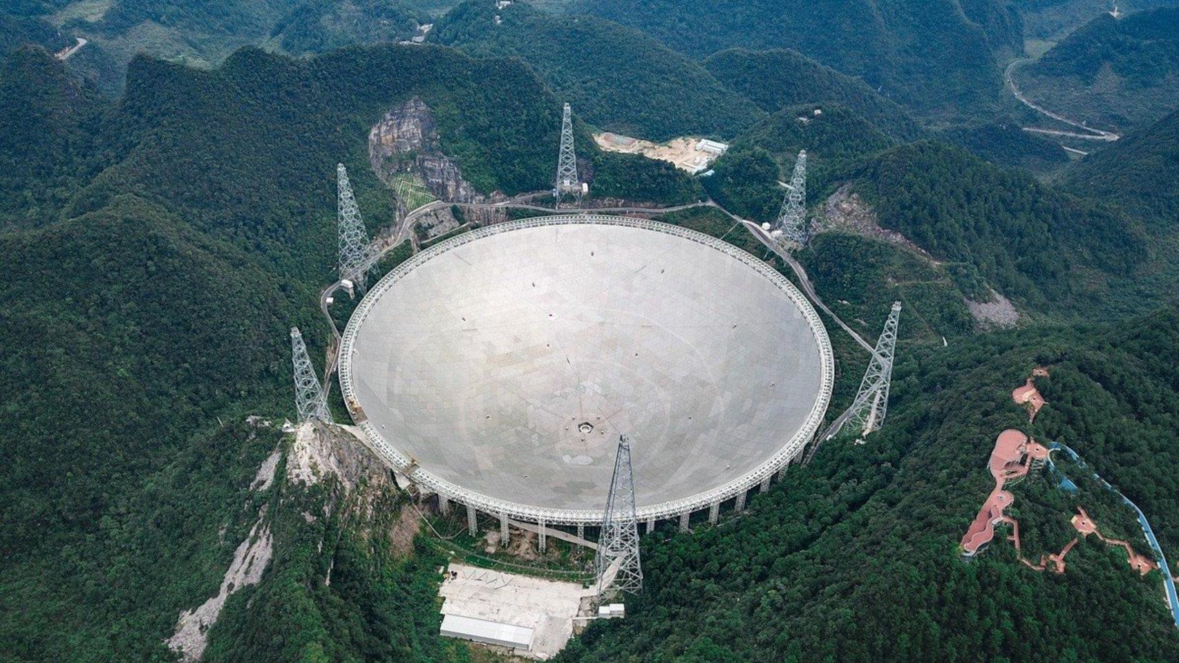 El telescopio FAST será usado oficialmente para buscar vida extraterrestre