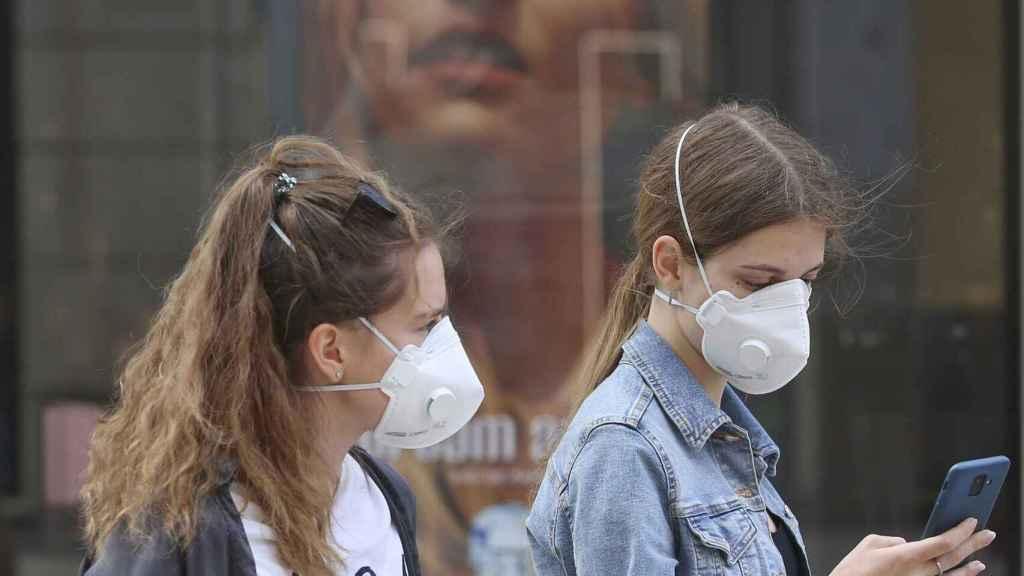 El decreto contempla multas de hasta 100 euros por no llevar mascarilla