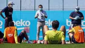Josep María Bartomeu, durante un entrenamiento de la plantilla del Barcelona