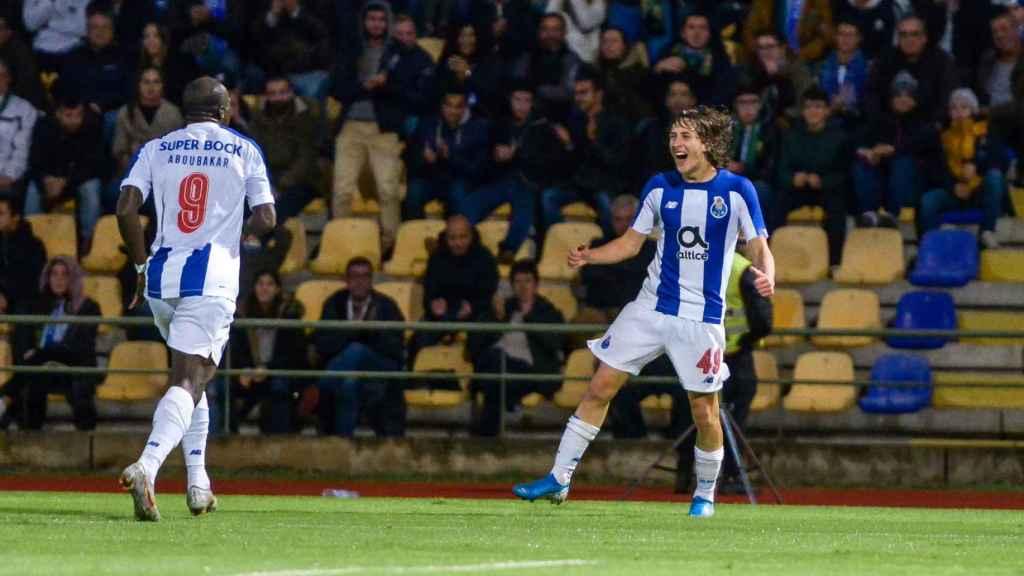 Fabio Silva, a la derecha, celebrando uno de sus primeros goles con el primer equipo del Oporto
