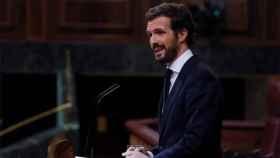 El presidente del PP, Pablo Casado, en la tribuna de oradores del Congreso.