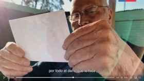 Un fotograma del vídeo.