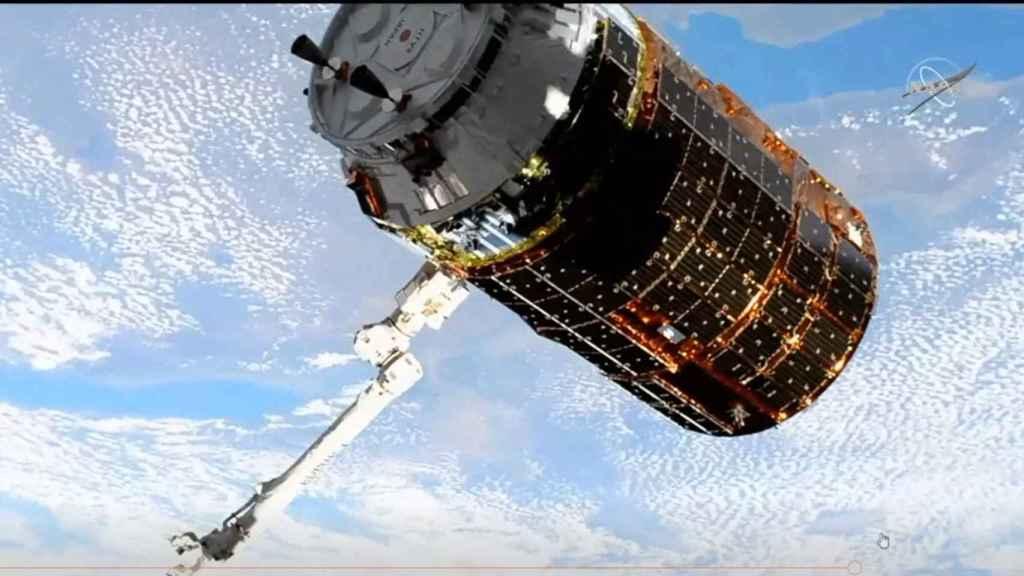 Cápsula acoplada en la ISS