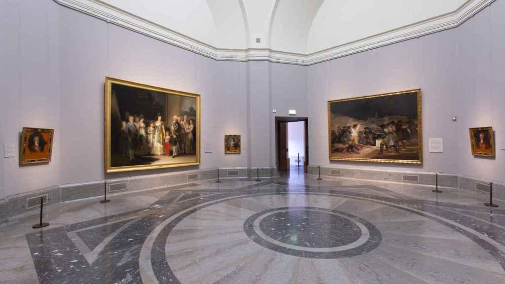 'La familia de Carlos IV' y 'Los fusilamientos', de Goya.