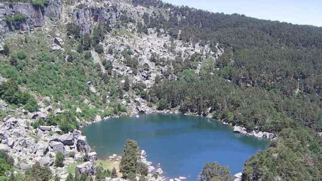 Soria-la-laguna-negra-agua-verde