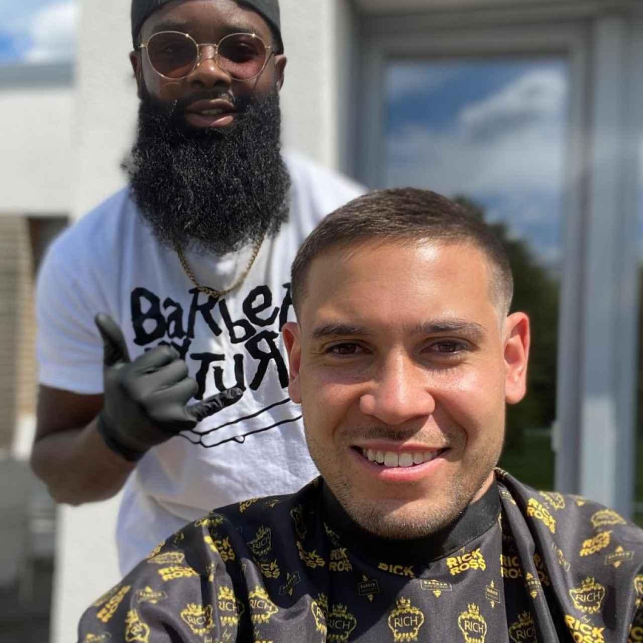 Raphael Guerreiro no fue multado y pasó por las manos del mismo peluquero
