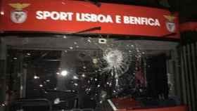 Autobús del Benfica apedreado