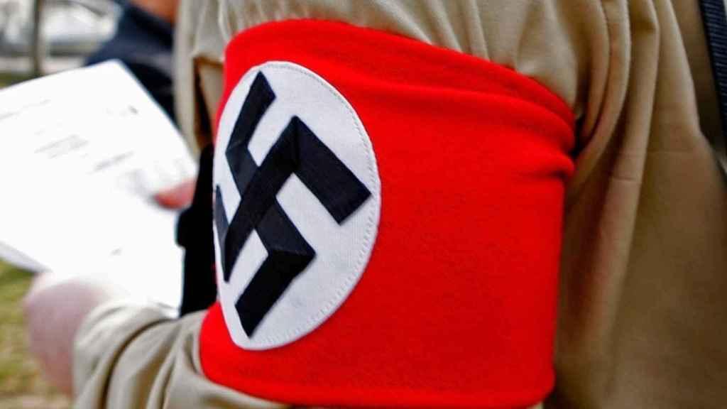 Cruz gamada del símbolo nazi