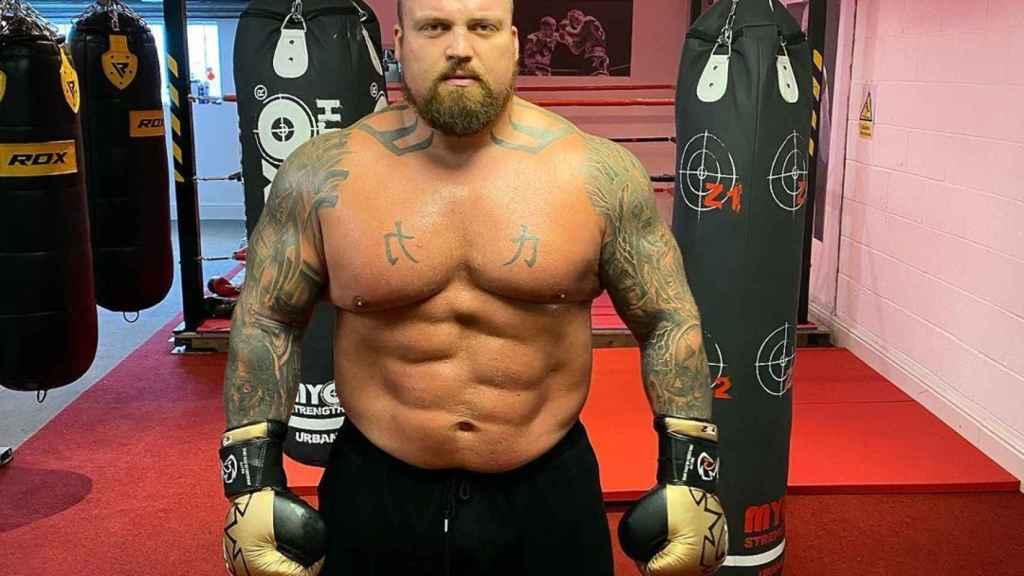 El 'strongman' inglés Eddie Hall, primero en levantar 500 kg