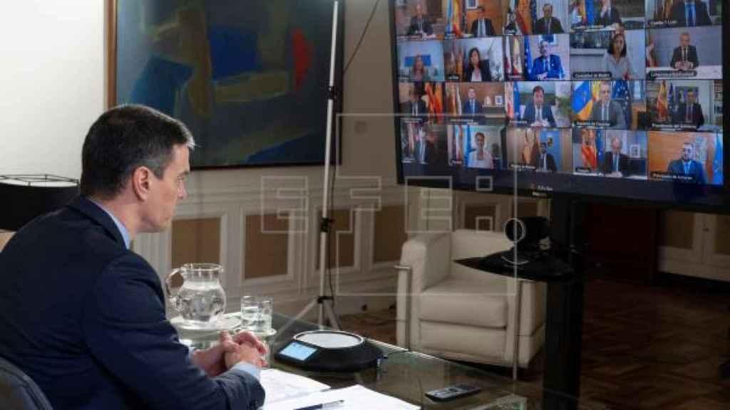 El presidente del Gobierno, Pedro Sánchez, en videoconferencia de presidentes.
