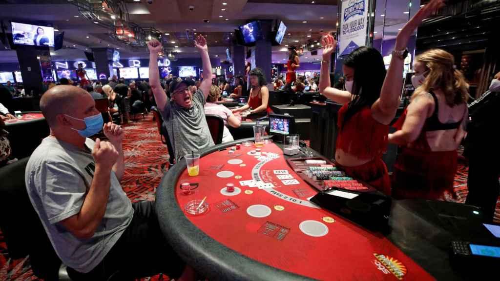 Mesa de blackjack en el The D Casino Hotel.