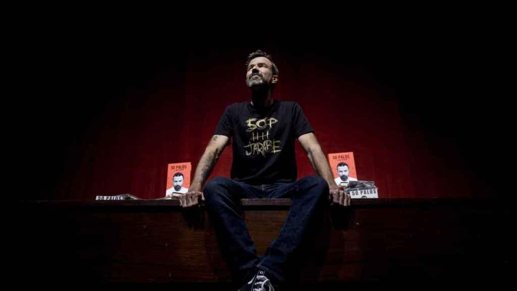 Paul Donés en la presentación de un libro.