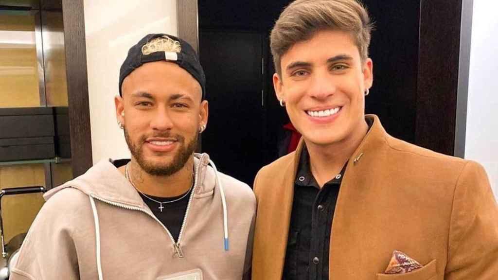 Neymar y Tiago Ramos, novio de su madre