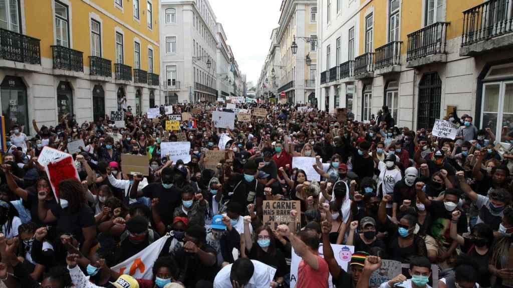 Manifestación por la muerte de George Floyd en el centro de Lisboa