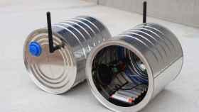 El teléfono de lata inalámbrico que han creado unos aficionados