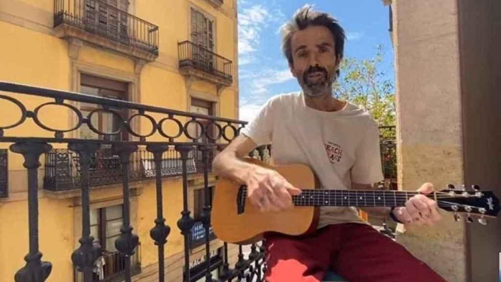 Pau, en su piso de Barcelona, en pleno paseo de Gracia.