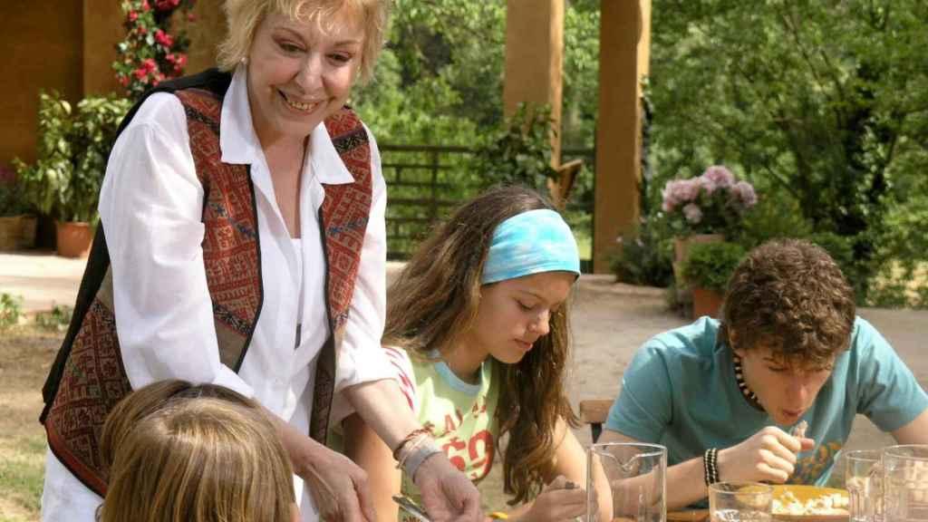 Rosa María Sardà en la serie 'Abuela de verano' donde actuó junto a su hijo, Pol.
